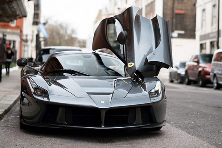 black LaFerrari