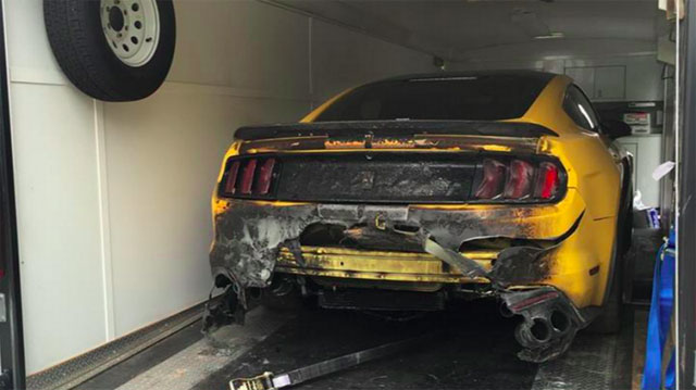Ford Mustang Shelby GT 350 Catches Fire
