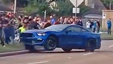 Mustang Shelby GT350 Crashing